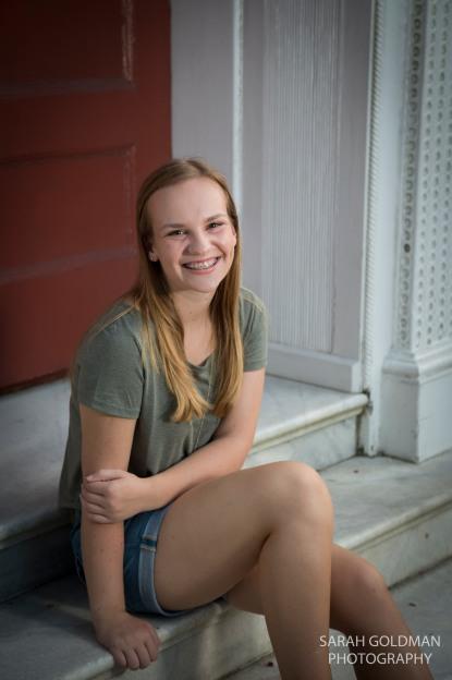 senior photos in doorway