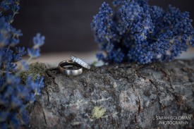 wedding rings with lavender